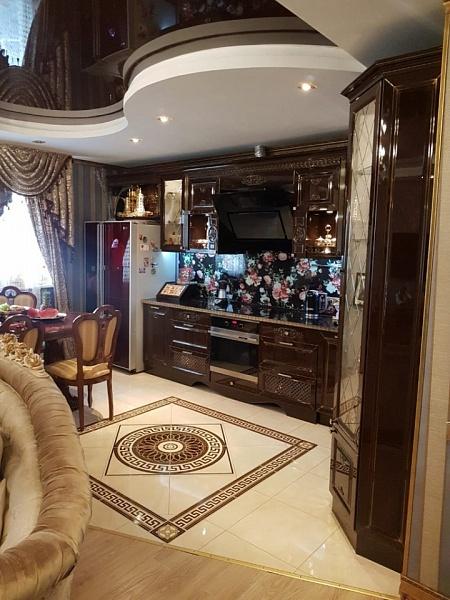 3-к квартира, 79 кв.м., Русановская ул, 11